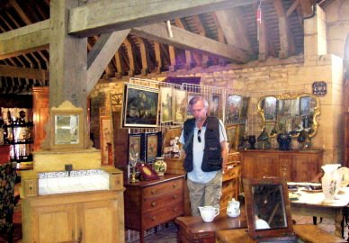Antiques shopping 1A